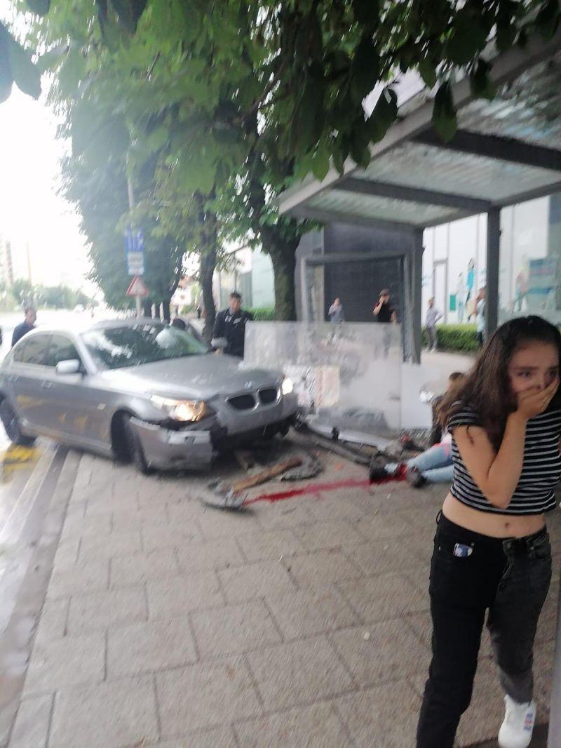 Află cine sunt victimele nenorocite de şoferul unui BMW în staţia de autobuz de la VIVO Mall din Baia Mare